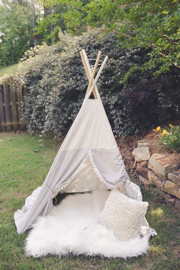 Blue and White E&E Teepee Set up // Photo staging for teepee pictures // toddler boy gift idea teepee from heather of mylifewellloved.com