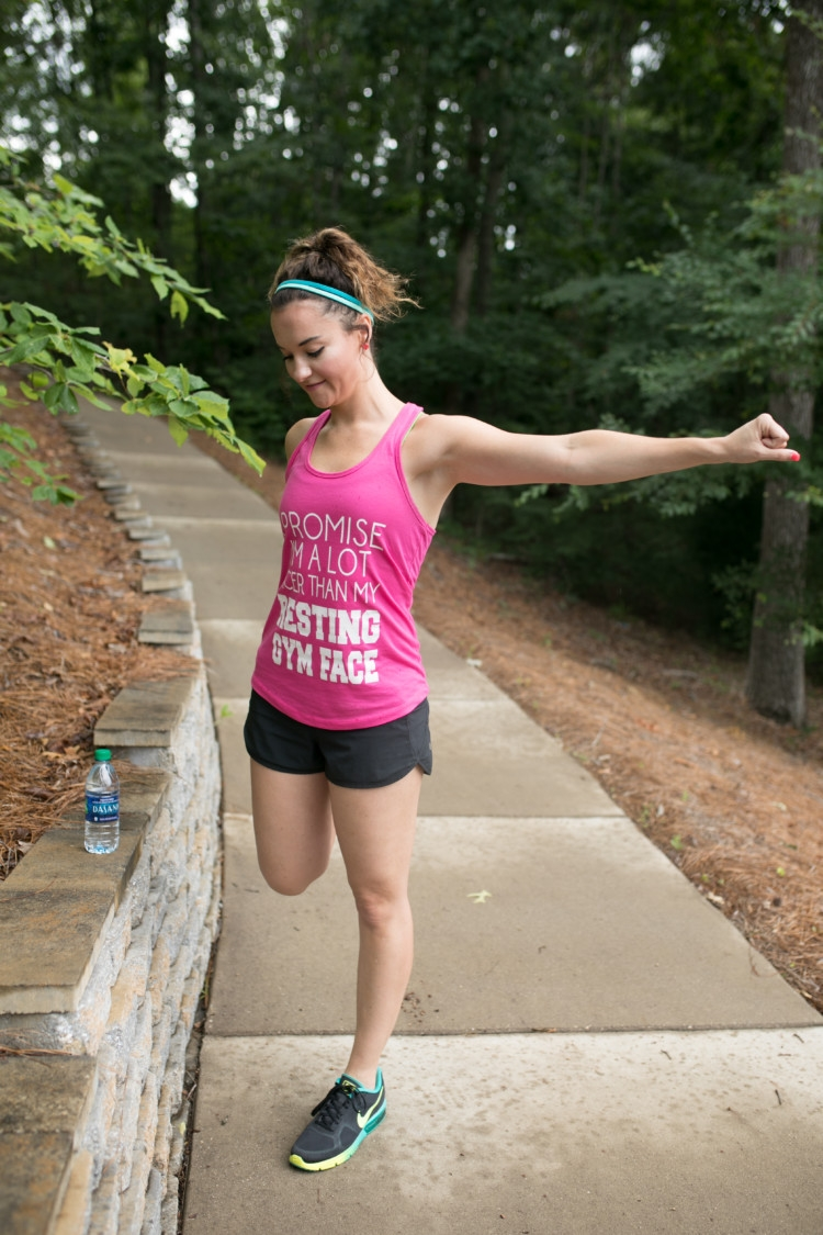 Running basics you need to know to Train for a 5k for Moms from Heather Brown of MyLifeWellLoved.com // Running Tips // How to start running // Stretching for runners