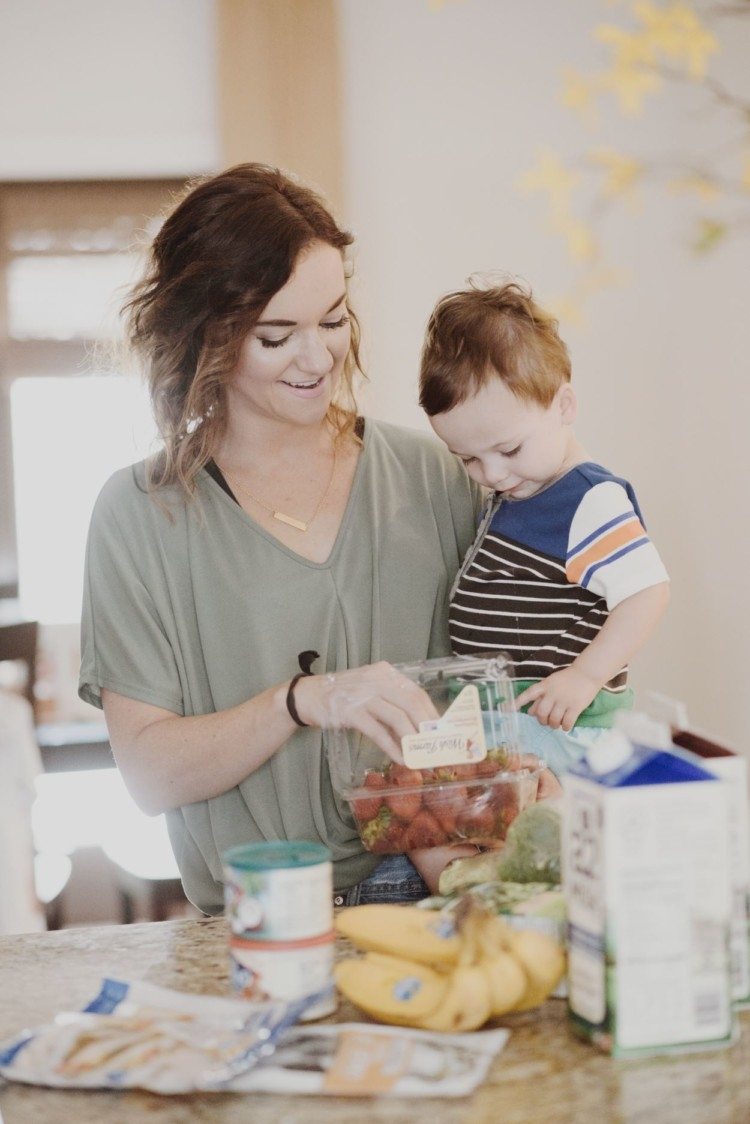 10 Simple Ways to Save Money on Groceries for the Mom on-the-Go with Shipt // Save money on healthy groceries // meal planning tips from Heather of MyLifeWellLoved.com