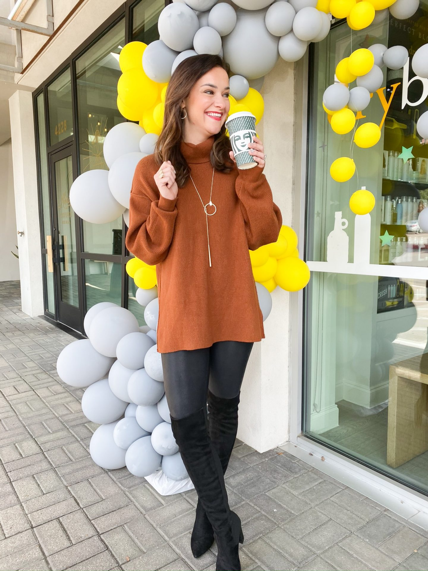 Holiday Honey Hustle Challenge Week 4 + Holiday Starbucks Drinks with Macros by Life + Style blogger, Heather Brown // My Life Well Loved