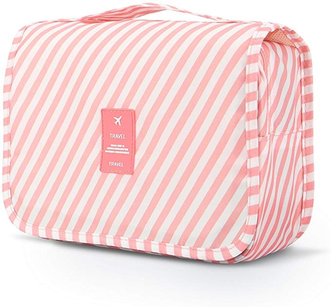 Amazon Favorites: 12 Travel Essentials for your Next Family Vacation by Alabama Life + Style Blogger, Heather Brown // My Life Well Loved: toiletry travel bag