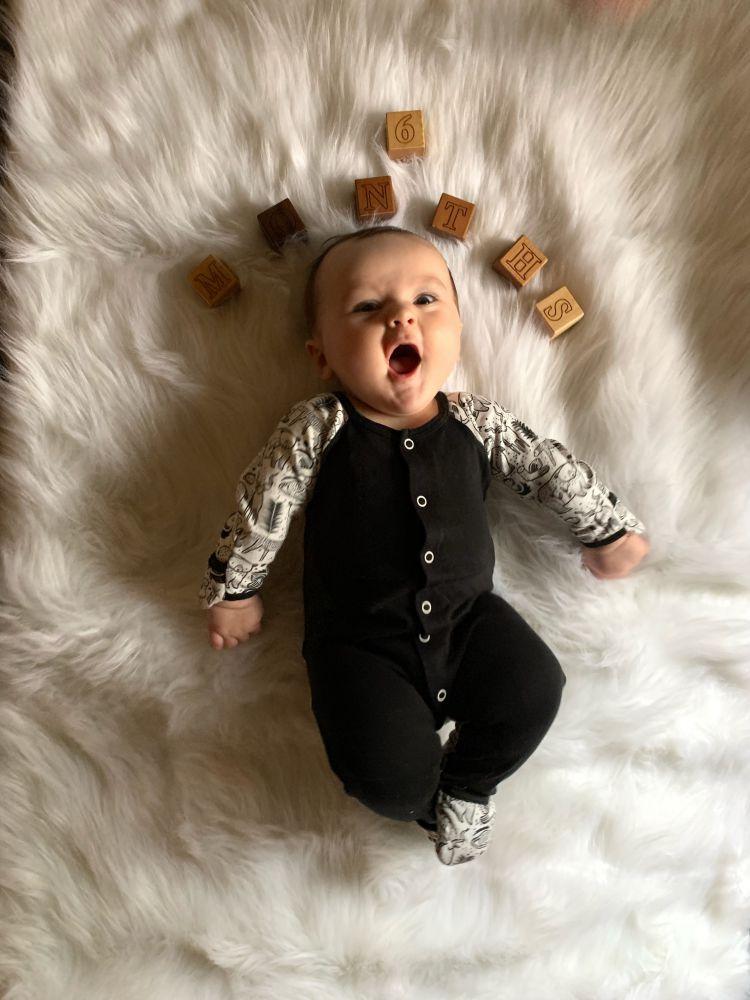 baby Finn 6 months milestones