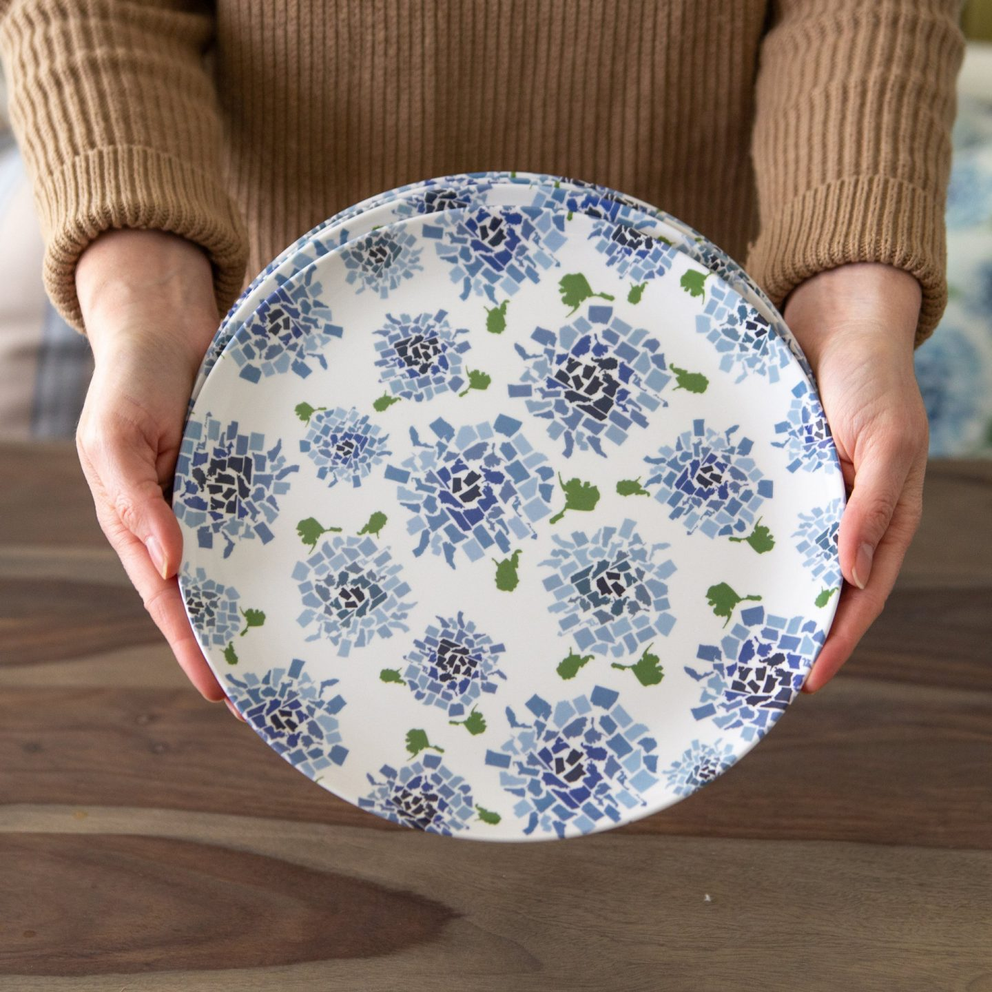 Honey & Hank fifty states hydrangea melamine dinner plate