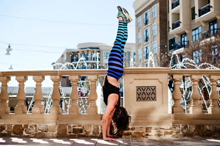 The Ultimate Lower Body Workout Video by popular Alabama fitness blogger My Life Well Loved. #workoutvideo #athleisure // K Deer Leggings / headstand