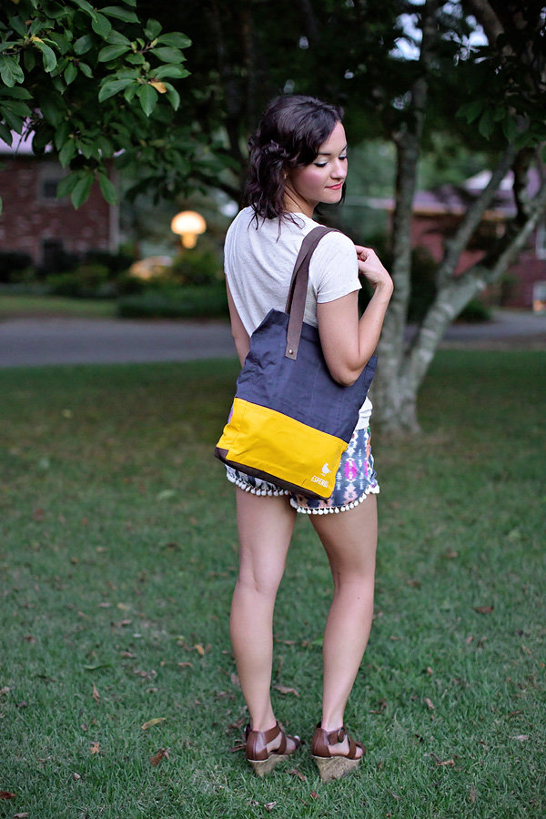 Esperos Bags: Carry Hope. Gives back to schools in the developing world.