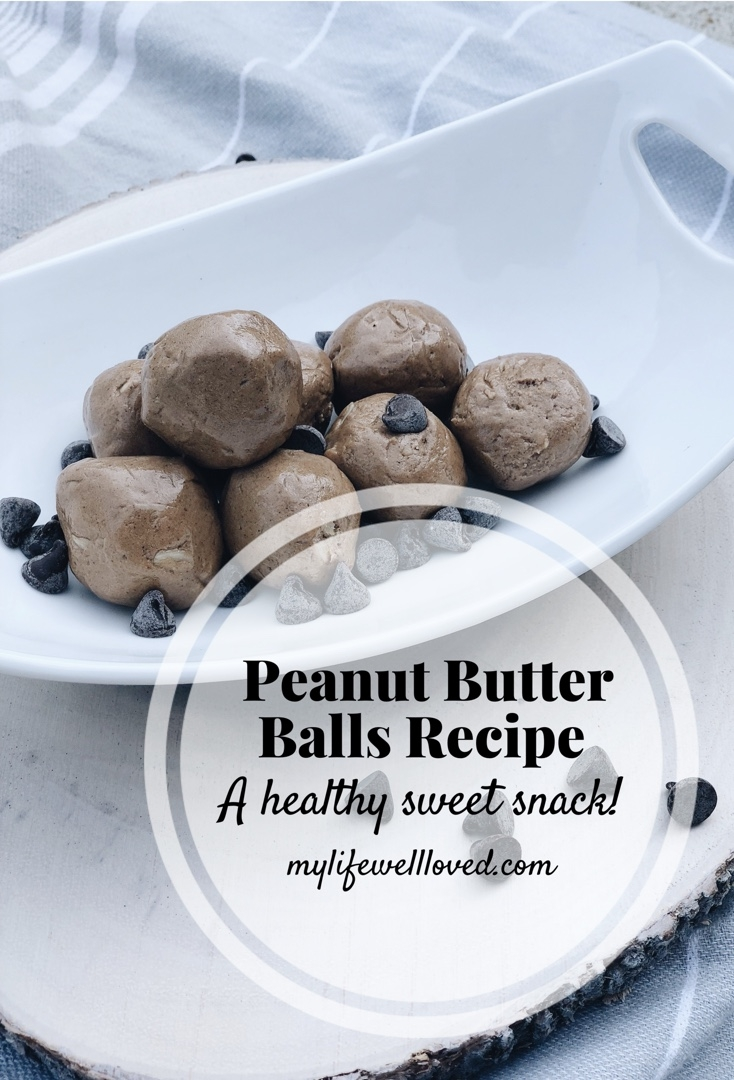 Peanut butter balls recipe // #healthysnack #healthylifestyle #healthy #fitmom #sweetsnack