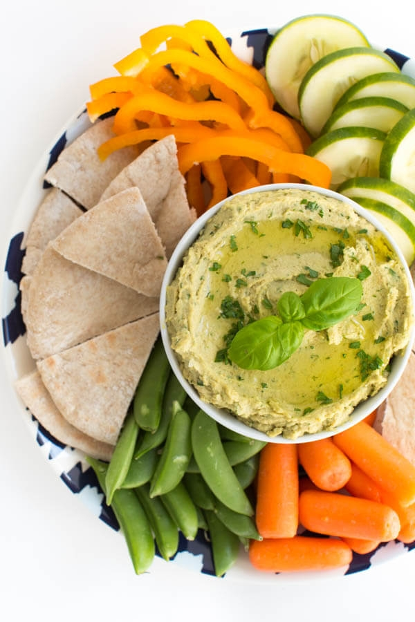 Healthy Appetizer: Garden Vegetable Hummus Recipe // Clean Eating Appetizer