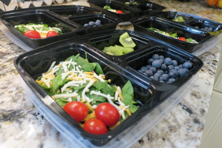 Meal Prep Tips and meal planning ideas with lunches on the go from Heather Brown of MyLifeWellLoved.com