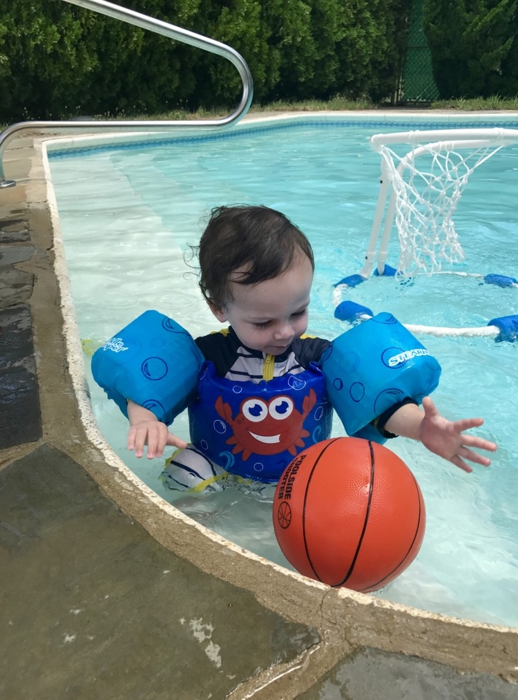 Pool Safety Tips for Toddlers from Heather Brown of MyLifeWellLoved.com // Baby pool safety