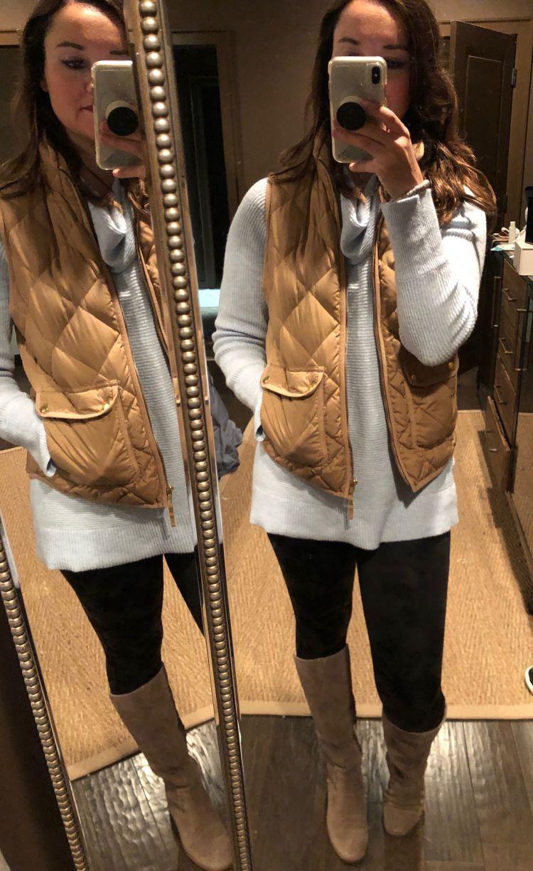 17 Ways to Style Your Spanx Faux Leather Leggings by Alabama lifestyle + fashion blogger My Life Well Loved // #spanxleggings // #spanxfauxleatherleggings // #topstowearwithleggings // #shirtsforleggings