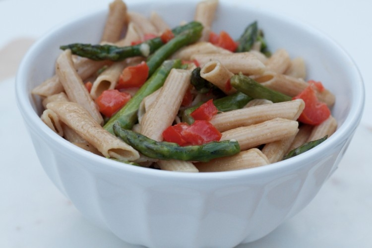 Clean Eating 15 Minute Asparagus Pasta from Heather Brown of MyLifeWellLoved.com // Healthy Dinner Recipe // Meatless Recipe