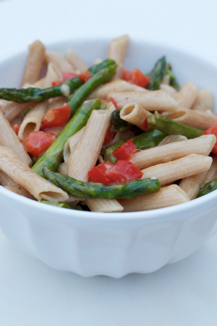 Clean Eating 15 Minute Asparagus Pasta from Heather Brown of MyLifeWellLoved.com // Healthy Dinner Recipe // Vegetarian Pasta Recipe