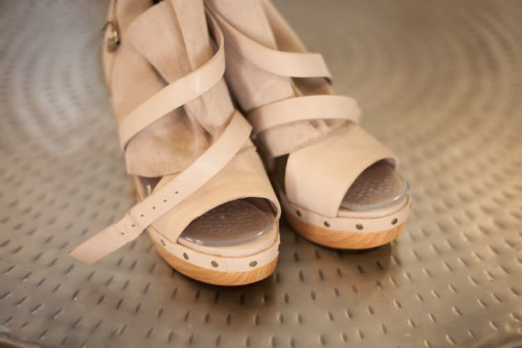 Heather Brown of My Life Well Loved Shows Fall Transition Fashion: Amope Shoe Insoles