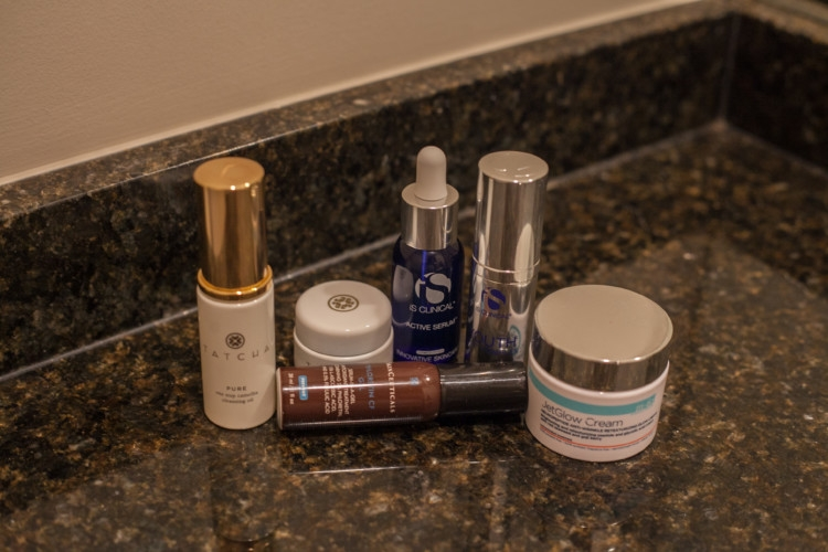 Winter Skincare Tips and money-saving hacks on your beauty routine // AM and PM Winter Skincare Routine from Heather of MyLifeWellLoved.com