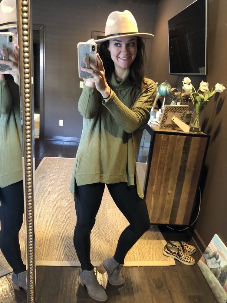 20 best ways to wear leggings in the fall by Life + Style blogger, Heather Brown // My Life Well Loved