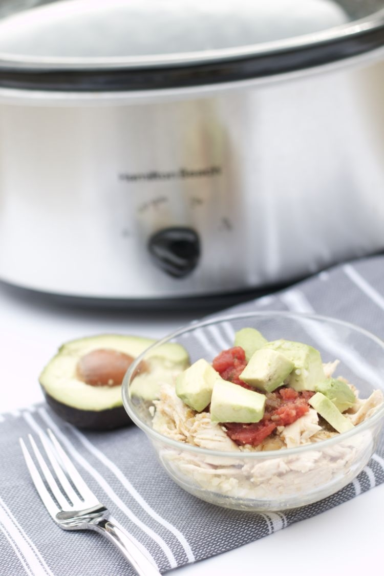 Pink this Whole30 Chicken Chili Verde slow cooker recipe for later. Easy healthy meals aren't easy to come by! From Alabama blogger Heather of MyLifeWellLoved.com - Whole30 Chicken Chili Verde Recipe by popular Alabama fitness blogger My Life Well Loved
