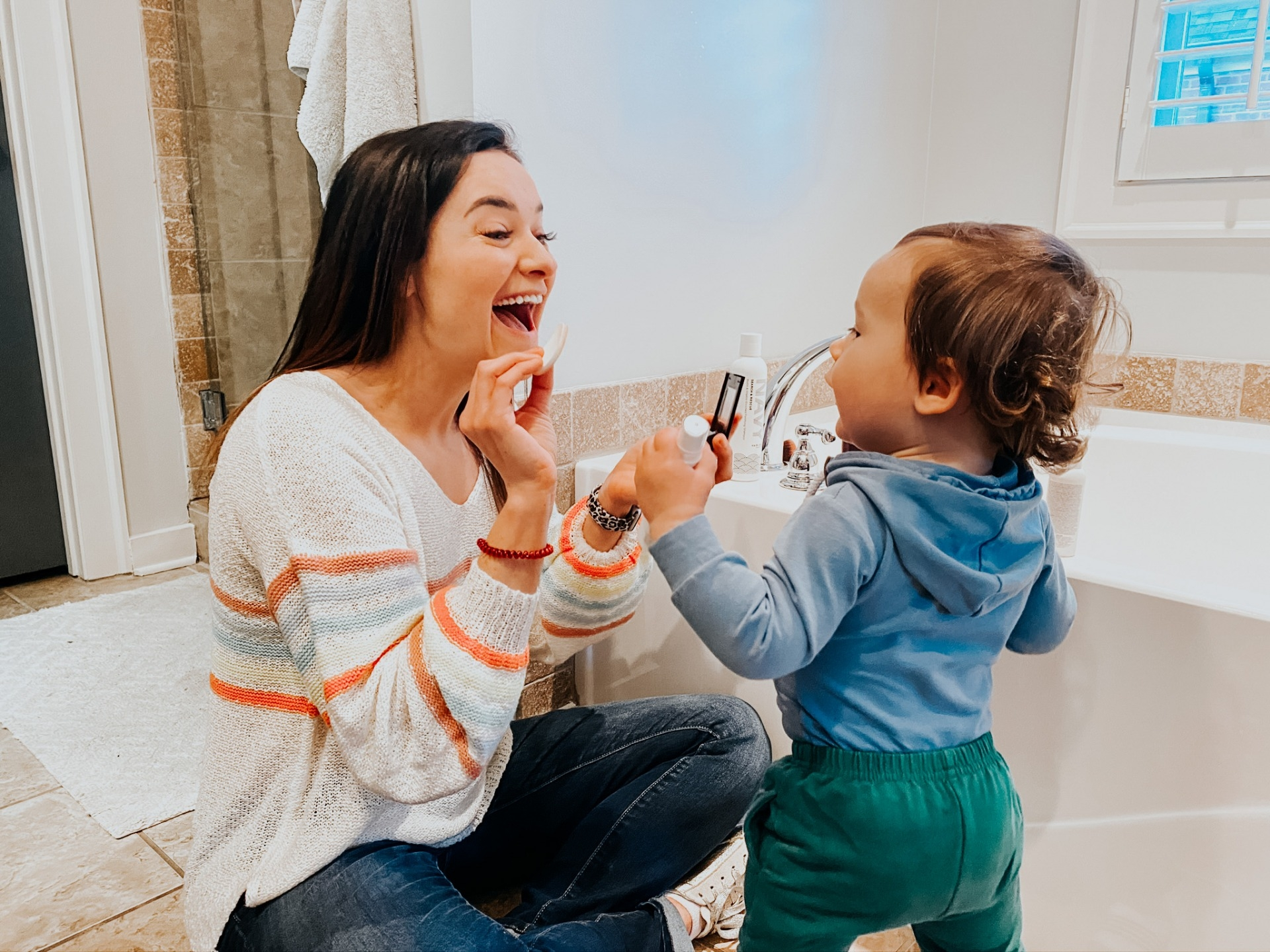 Quick & Easy 5 Minute Makeup Routine For The Busy Mom by Alabama Life + Style Blogger, Heather Brown // My Life Well Loved