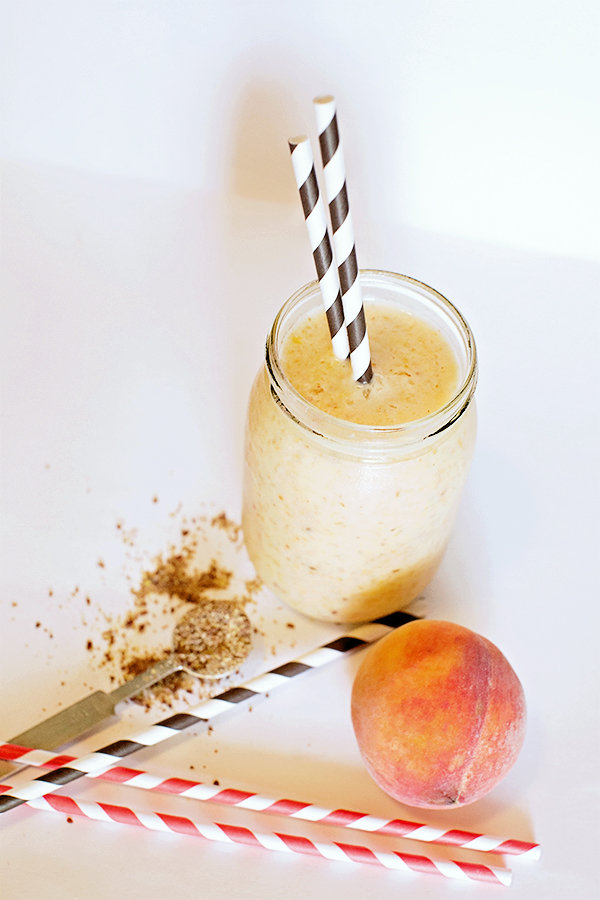 Peach Strawberry Smoothie with Flax Seed