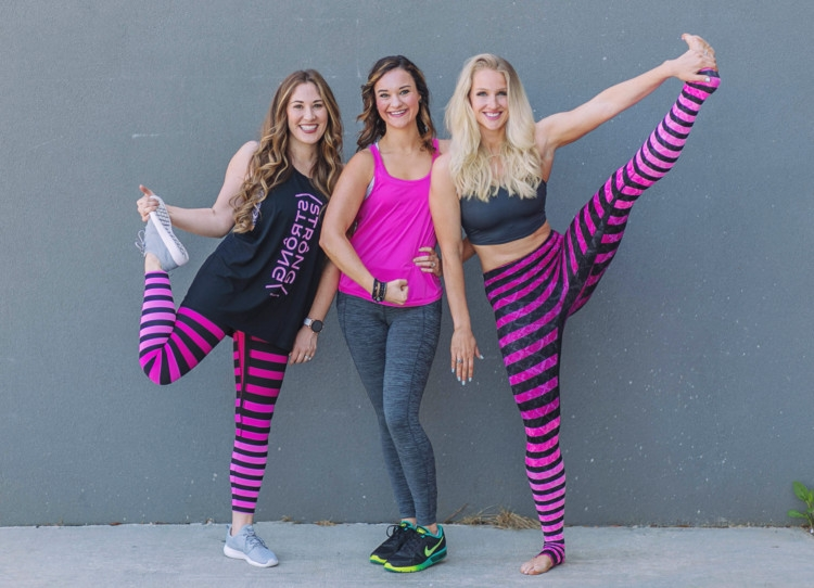 Best Athleisure Brands // Favorite Athleisure Wear from fashion, fitness and lifestyle bloggers // Best Yoga Pants and fitness wear from Heather Brown of MyLifeWellLoved.com