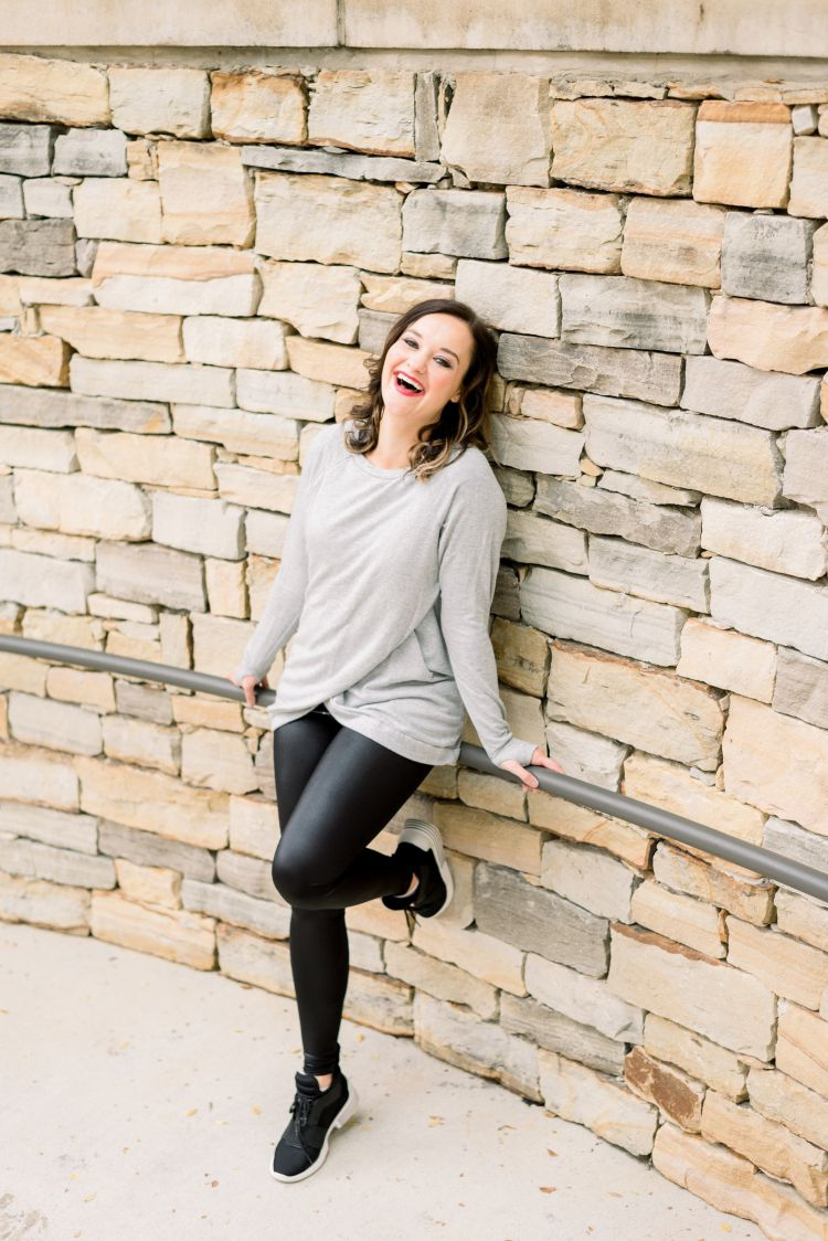 Holiday Honey Hustle Lunge Challenge by Popular Alabama Blogger My Life Well Loved // #workout #lunges #bootyworkout