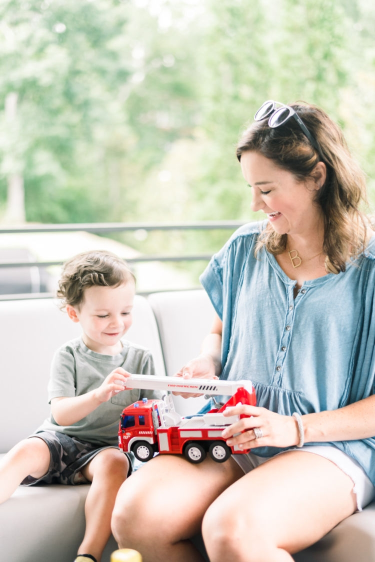 Tips on Travel with Kids from healthy lifestyle blogger Heather of MyLifeWellLoved.com // Whether you're a toddler mom or have a new baby, this post is super helpful for your next beach trip! #mom #travel #familytravel