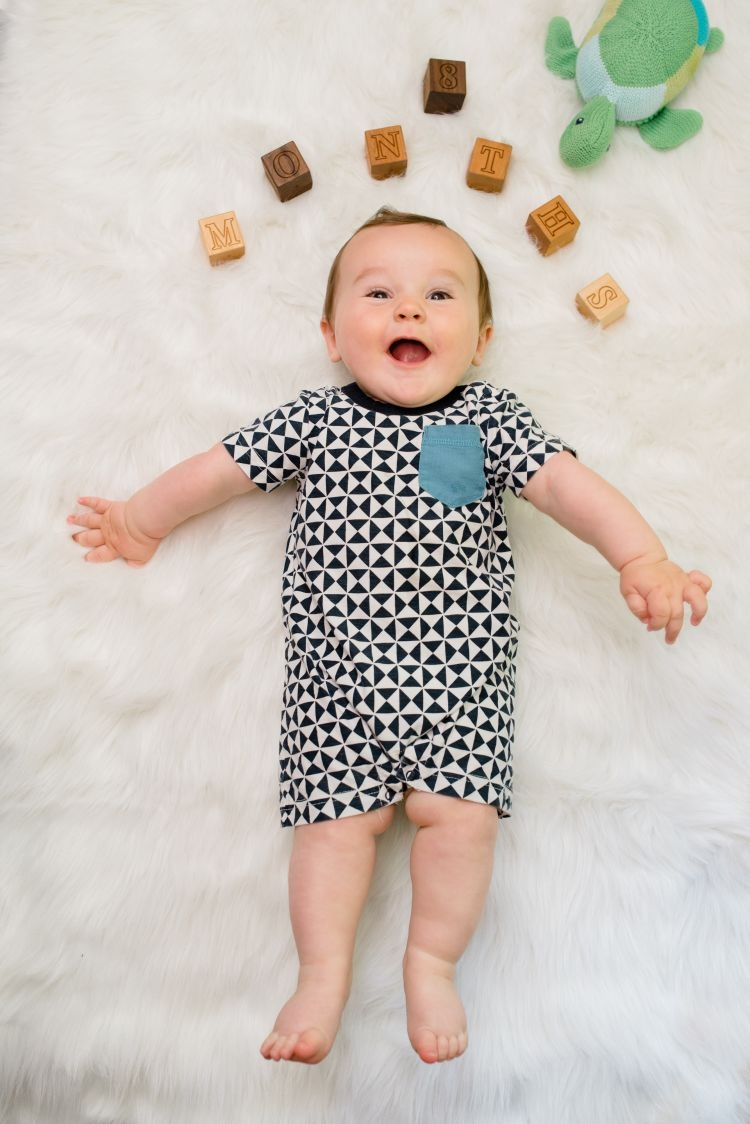 Finn 8 months old baby update and baby milestones