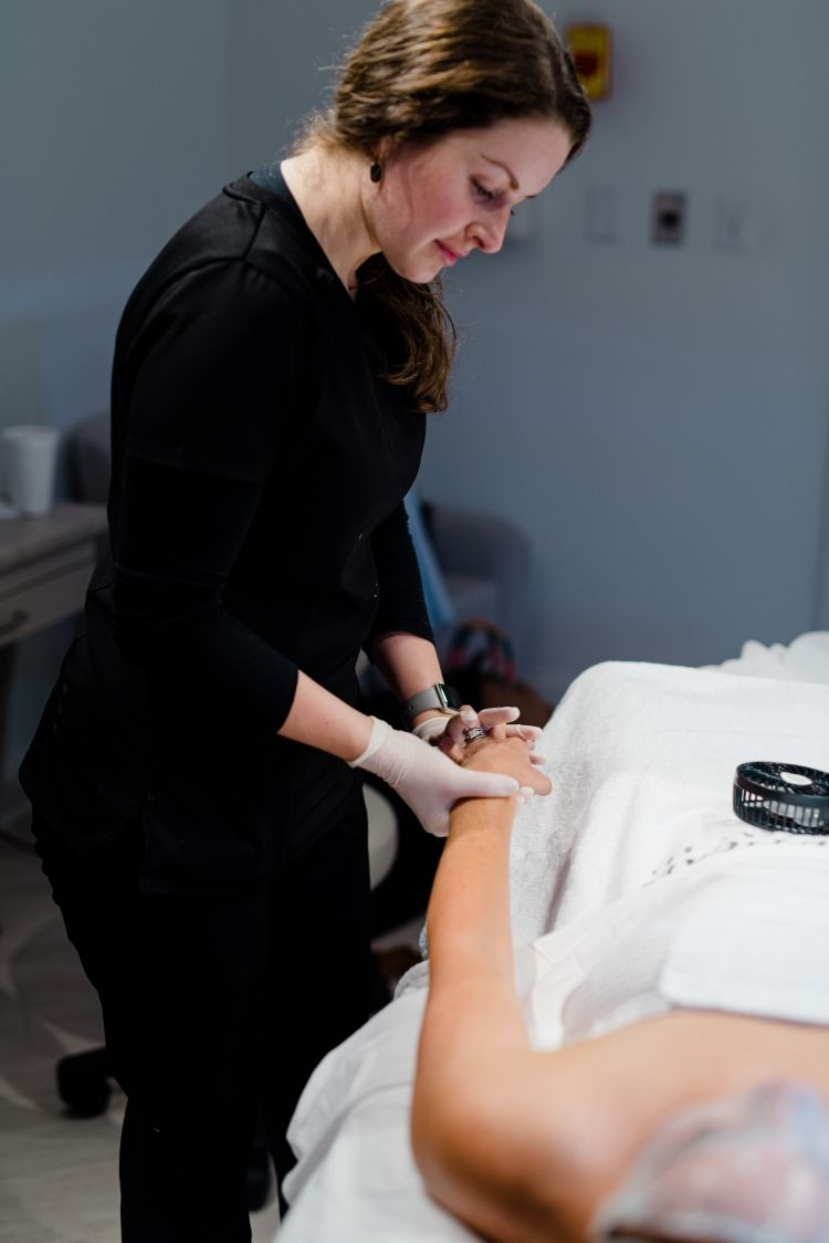 Sharing my experience at SkinCeuticals- custom DOSE by Alabama Lifestyle and Beauty blogger, Heather Brown // My Life Well Loved