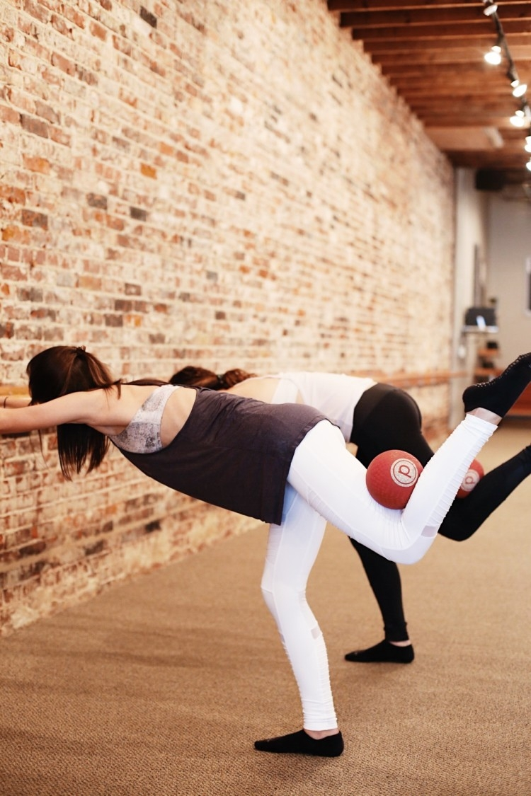 What is Barre? Pure Barre Tips from an instructor // Heather Brown from MyLifeWellLoved.com // Athleisure Clothes