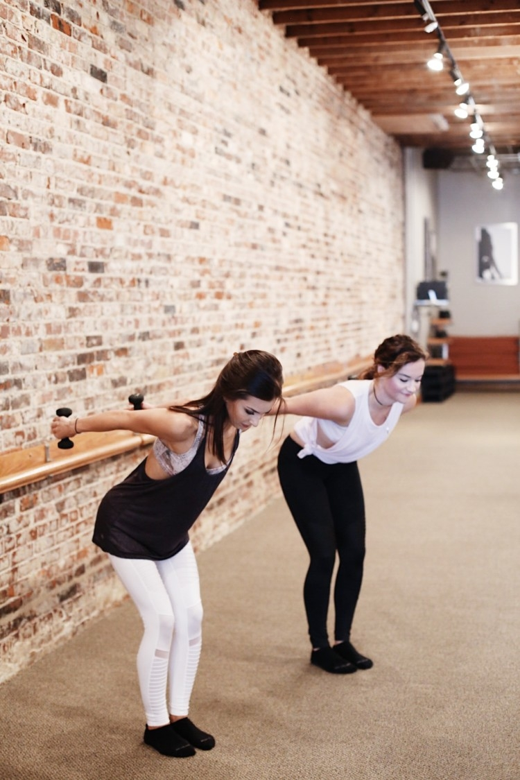What is Barre? Weight Work in Pure Barre Tips from an instructor // Heather Brown from MyLifeWellLoved.com // Athleisure Clothes