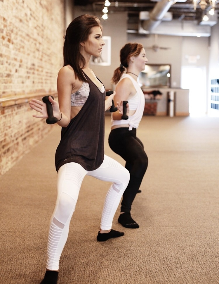 What is Barre and what is a tuck? Wide 2nd in Pure Barre Tips from an instructor // Heather Brown from MyLifeWellLoved.com // Athleisure Clothes
