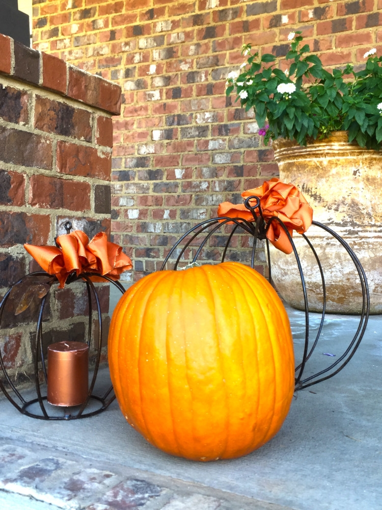 Fall Favorites: Pumpkin Fall Front Porch Decor on My Life Well Loved
