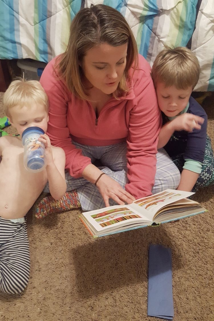faith based activities for toddlers // reading to kids #christian #motherhood